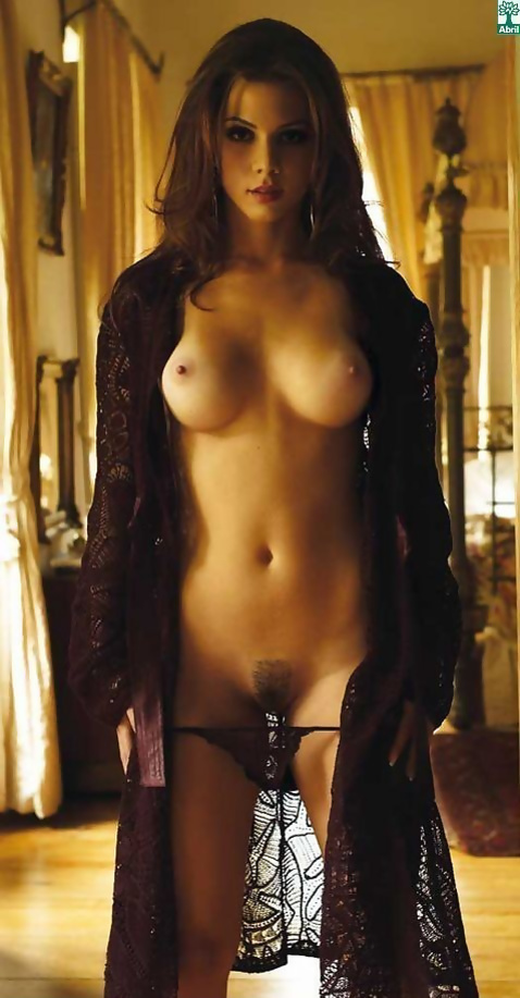 naked yana