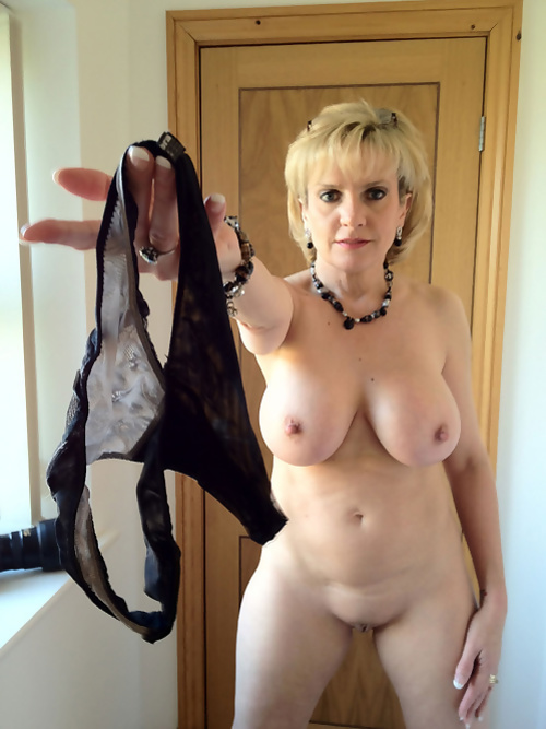 Unfaithful british milf lady sonia showcases her large tits.